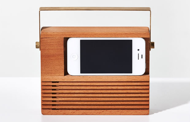 follow-the-colours-wooden_radio_dock_iphone
